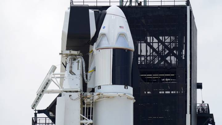 Elon Musk'& #x 27; s SpaceX Rocket Will Be Visible Over The UK Tonight