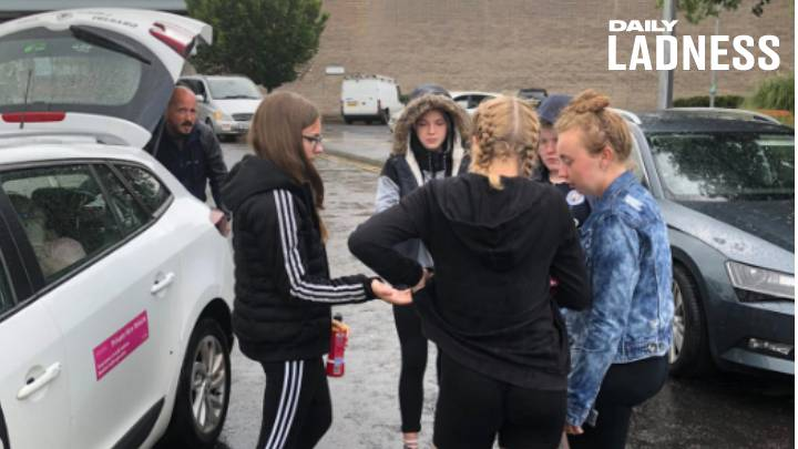 Teenagers Club Together To Pay For Stranded OAP's Taxi
